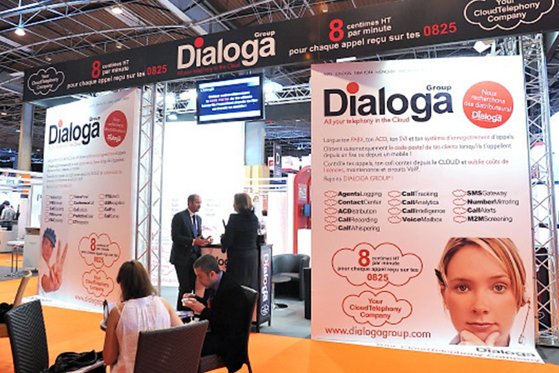 Dialoga Stand at Stratégie Client in Paris