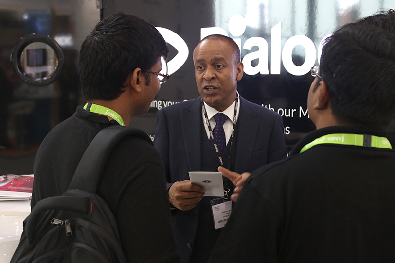 Customer Contact Expo Londres-11 2016 - Événements - Dialoga
